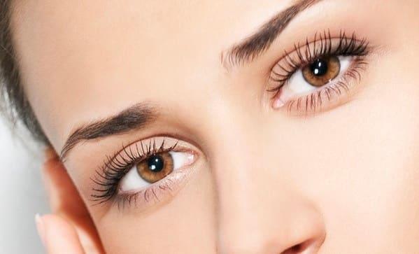 بوتاکس تا چند اندازه میتواند خطوط پنجه کلاغی اطراف چشم را از بین ببرد؟